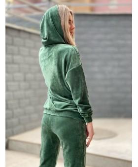 Ніжний велюровий костюм зеленого кольору